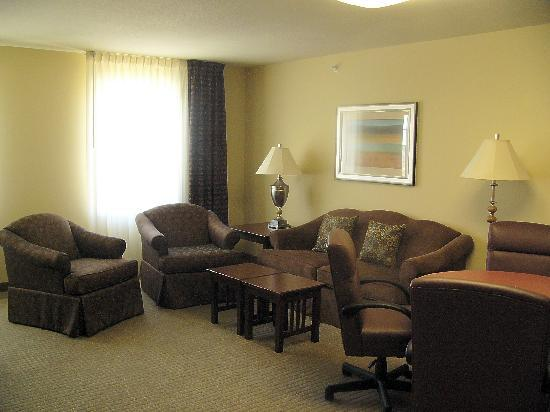 Staybridge Suites Kansas City - Independence: conference room suite