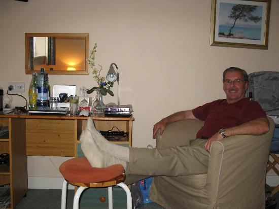 Bridge House: Restful sitting/bedroom