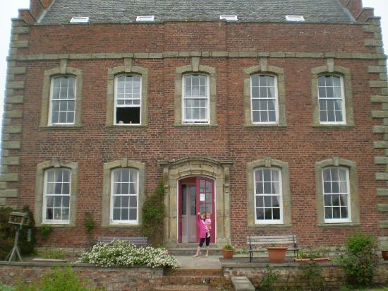Ladythorne House: Grace and Lily