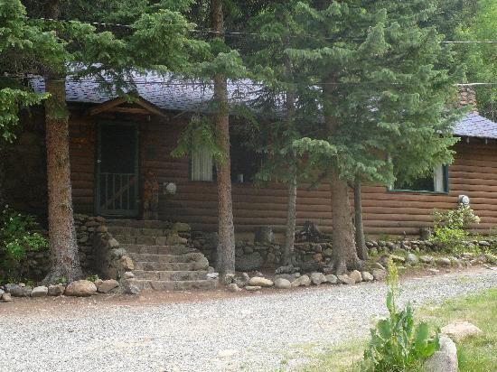 Call of the Canyon Cabins: Exterior of cabin