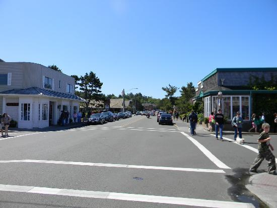 Sea Ranch RV Park & Stables: downtown Cannon Beach