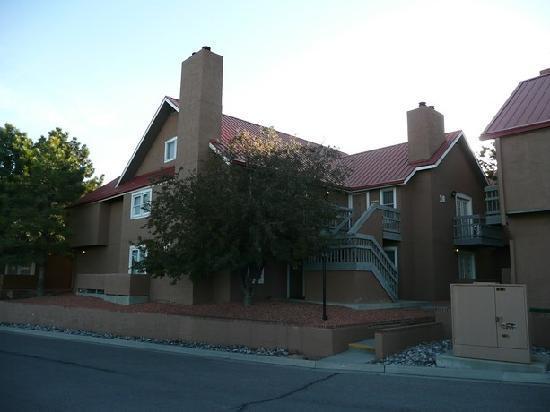 Residence Inn Santa Fe: Außenansicht