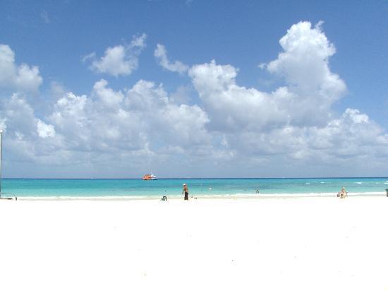 Luxury Bahia Principe Akumal : Playa Del Carman