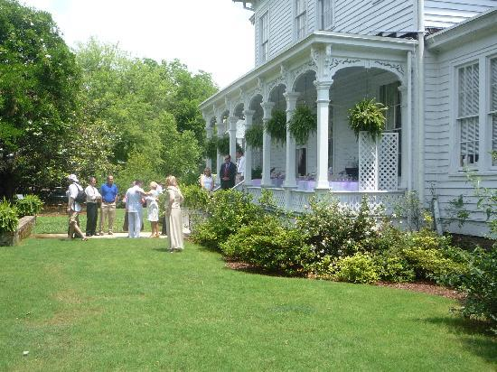 Shadowlawn Bed & Breakfast: The perfect Setting
