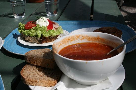 Rosendals Tradgardskafe : Tomato soup & sanwich