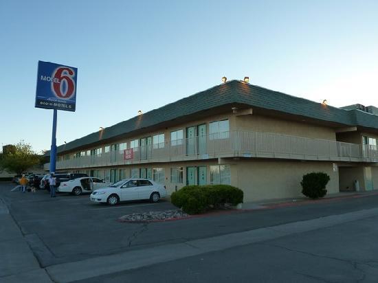 Motel 6 Holbrook: Außenansicht