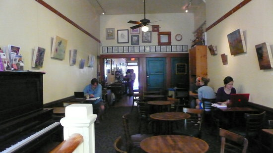 Linnaea's Cafe: dining area