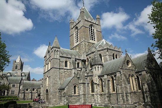 Dublin, Irland: Christ Church Cathedral (or more formally, The Cathedral  of the Holy Trinity