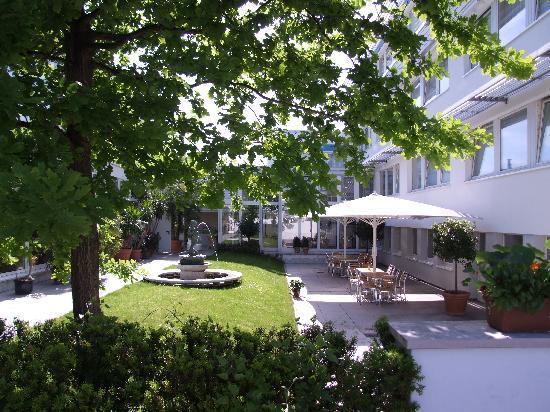 Lindemann Hotel