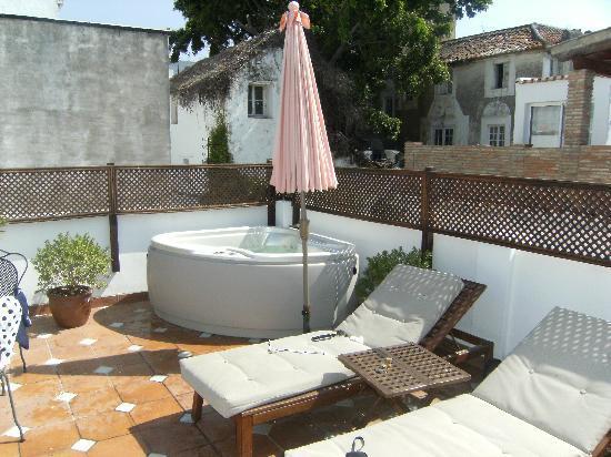 La Villa Marbella: The private terrace and Jacuzzi at the Shanghai room