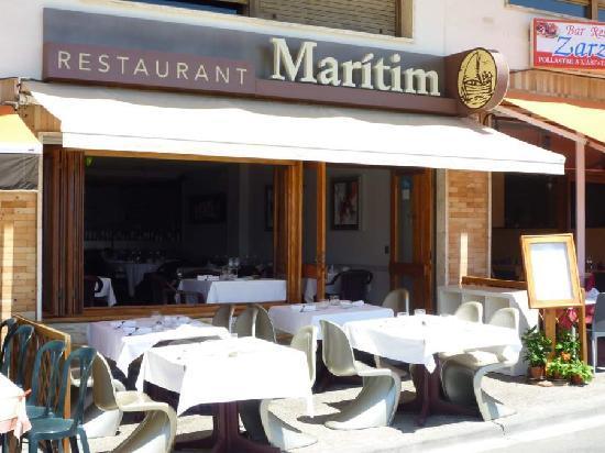Maritim: stylish seating.