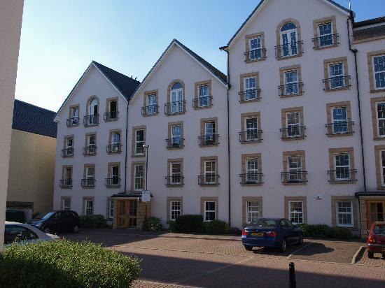 Edinburgh Pearl Apartments Dalry Gait: Outside of Dalry Gait apartment
