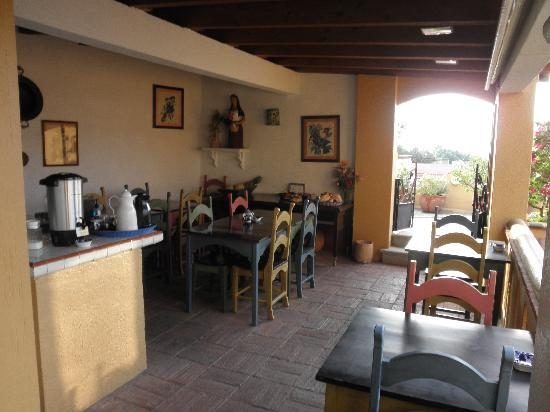 Hotel Azucenas: The breakfast room next to the terrace
