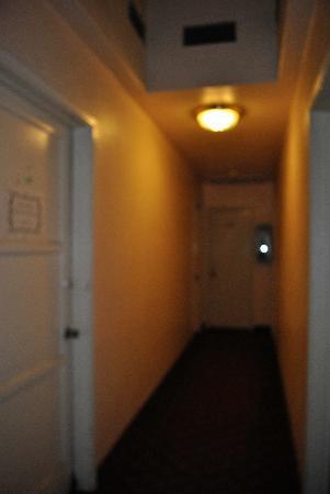 إل كوردوفا هوتل أون كورونادو أيلاند: unattractive hallway from our room