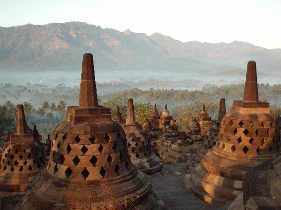 Amanjiwo Resorts: Borobudur bei Sonnenaufgang