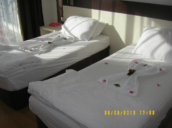 Blue Dreams Resort: the cleaners did this to the kids beds!! lovely touch