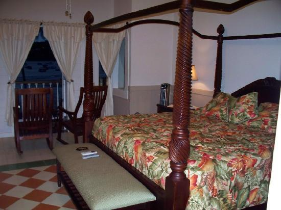 Hotel Victoriano: King size bed