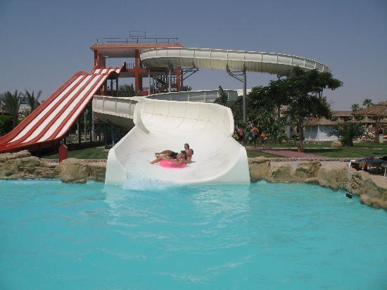 Primasol Albatros Resort: slides from hotel across the street