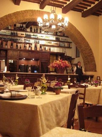 Castello Banfi - Il Borgo: A pranzo ed a Cena divinamente...