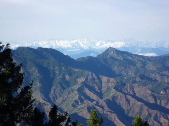 Wildflower Hall, Shimla in the Himalayas: Stunning views in early May