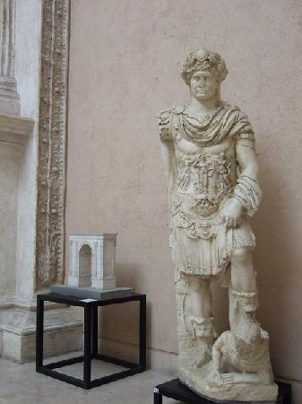 Museo della Civiltà Romana : Hadrian crushing his enemy