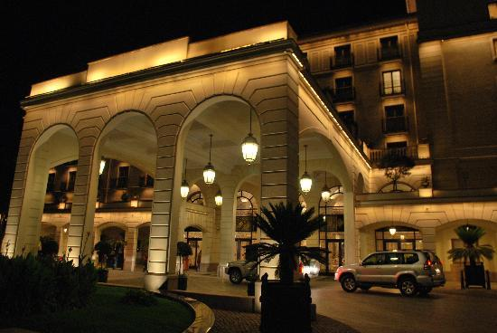 Sheraton Addis, a Luxury Collection Hotel: Eingang