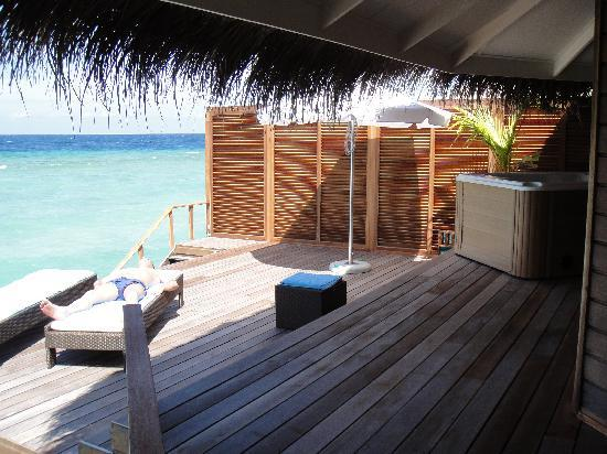 Kuramathi Island Resort: Water villa with jaccuzzi