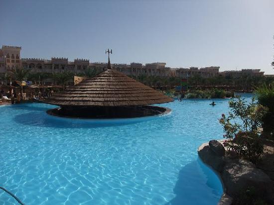 Albatros Palace Resort Hurghada Hotel Swim Up Bar