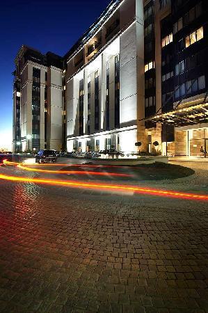 The Regent Luxury Apartments: Entrance