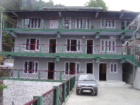 Neelkanth Guest House: Full View of Guest House