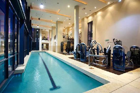 The Regent Luxury Apartments: Fully equipped gym