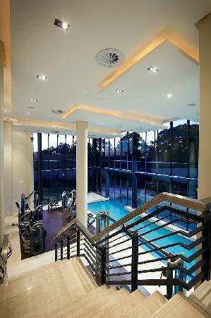 The Regent Luxury Apartments: Gym