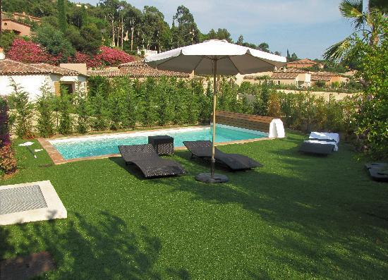 Cavalaire-Sur-Mer, Γαλλία: Garden View 2 and Pool