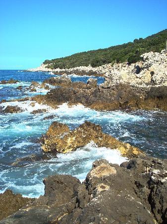 Hotel Punta Rossa: La Punta Rossa Coastline