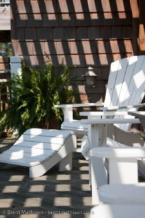 The Burrus House Inn: One of the many places to sit and look out on the Bay