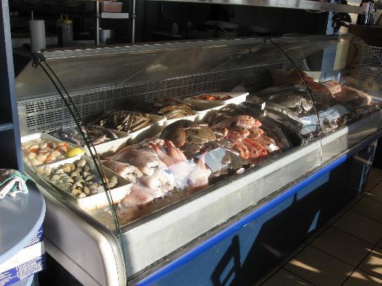 La tantina de la Playa : fish display