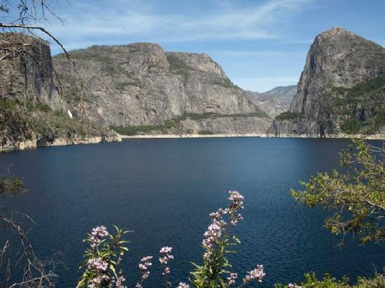Evergreen Lodge at Yosemite: Hetch Hetchy Close By