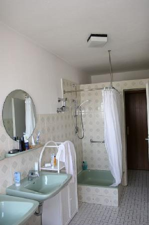 Strandhotel Najade: Badezimmer