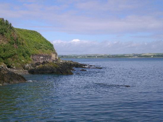 Ballycotton, Irland: Near the water on hotel property