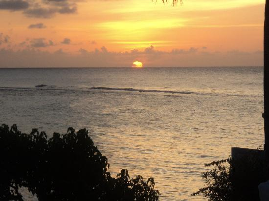 Jamaica Inn: Sunset from the resort