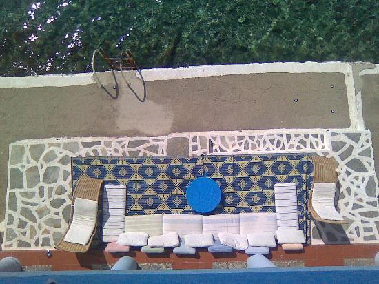 Mediterreneo Kastelorizo: view from the balcony,swimmingpool is the sea