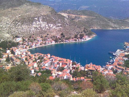 Mediterreneo Kastelorizo: view to yhe village