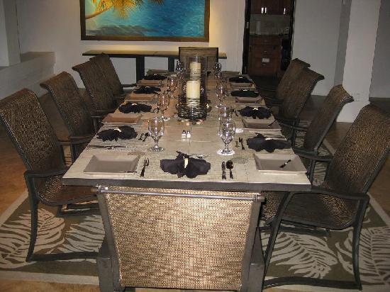 Tryall Club: Villa Dinning