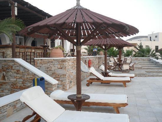 Yialos Ios Hotel: Bar area