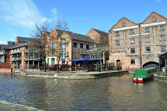 Nottingham, UK : Canal pubs