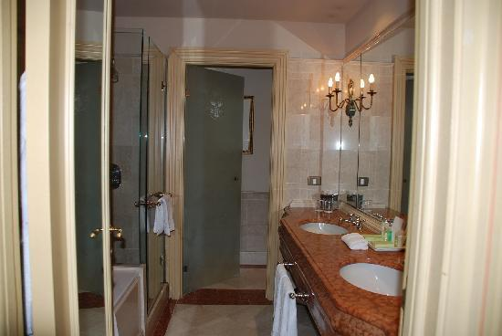The Westin Excelsior Florence: Westin Excelsior bathroom