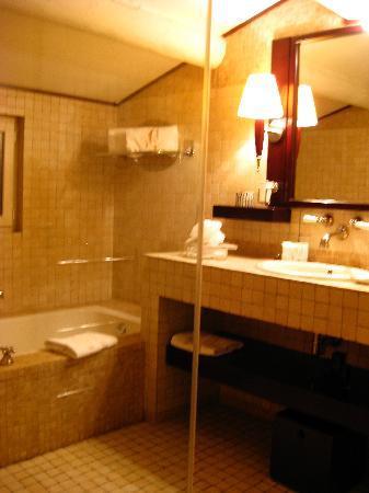 Hotel Saint Amour La Tartane : Bathroom