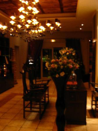 Hotel Saint Amour La Tartane: The Lobby