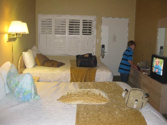 La Avenida Inn: comfy beds!