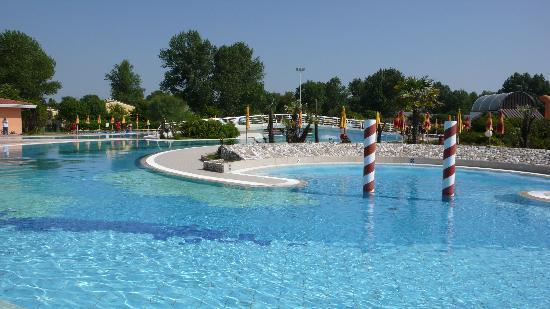 Centro Vacanze Pra delle Torri: la piscina
